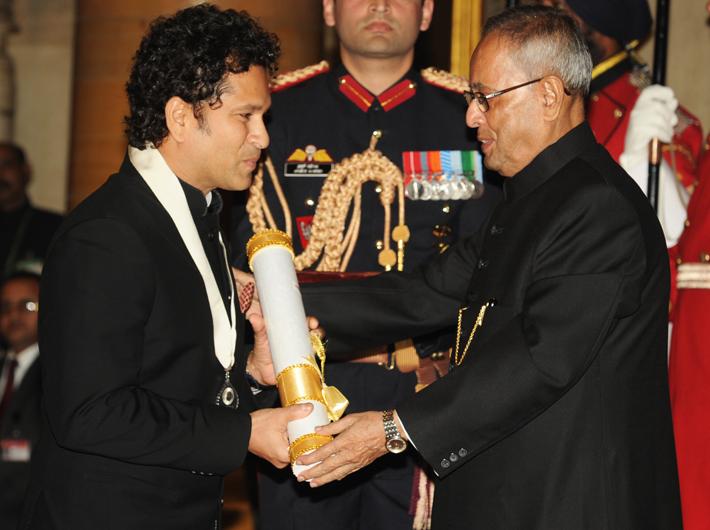 Sachin Tendulkar gets Bharat Ratna from president Pranab Mukherjee