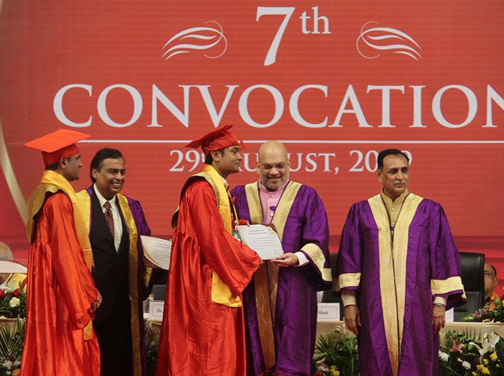 Home minister Amit Shah at the convocation of the PDPU in Gandhinagar on Thursday, with Gujarat chief minister Vijay Rupani and RIL chairman Mukesh Ambani