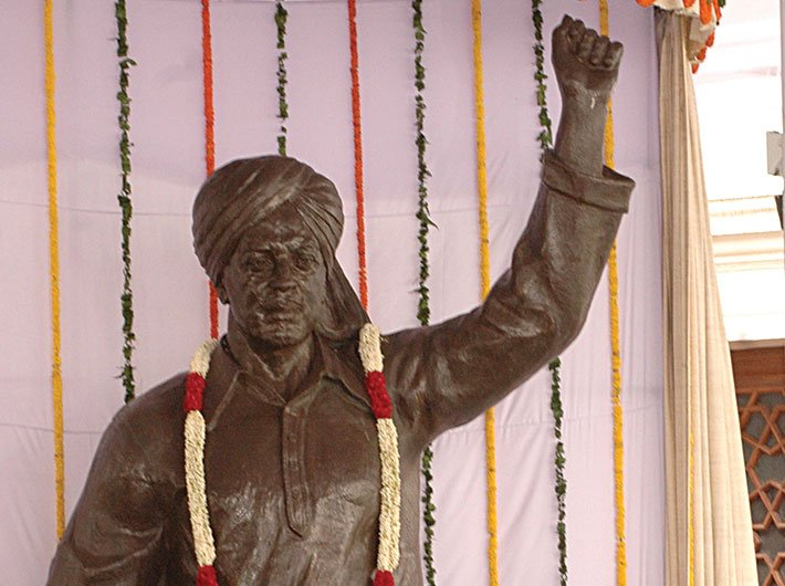 The statue of Bhagat Singh unveiled at the parliament house on August 15, 2008