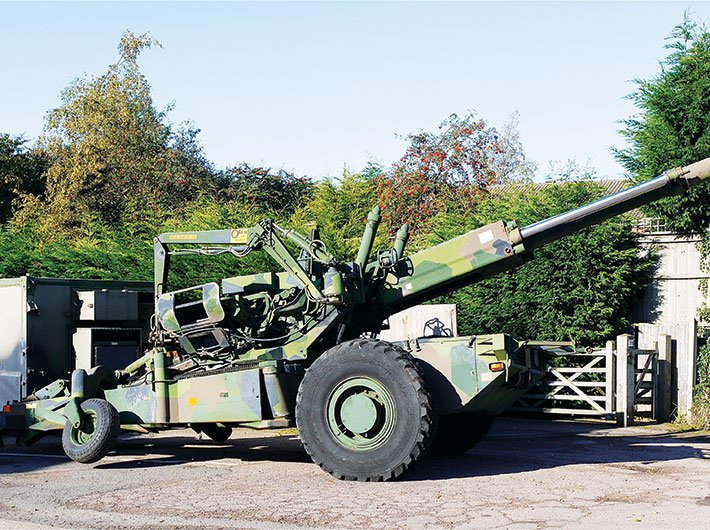 Haubits FH77 howitzer, of the type around which the Bofors scandal centered (Courtesy: Wikimedia/Mick from Northamptonshire, England)