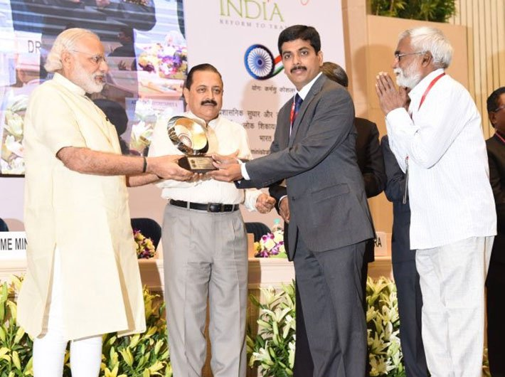 PM Narendra Modi conferring awards on Civil Services Day at Vigyan Bhawan