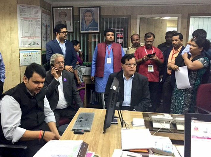 CM Devendra Fadnavis monitoring the fire incident and overall situation at the Disaster Management Control Room in Mumbai