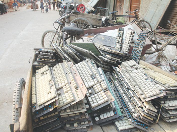 More than 50 percent people sell their e-waste to kabaadiwalas, the study reveals
