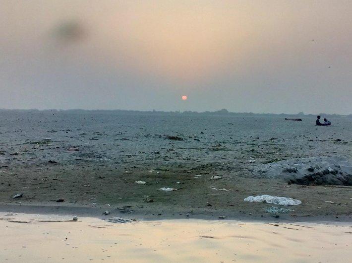 Plastic litter on the shore of the Ganga in Varanasi (File photo: Governance Now)