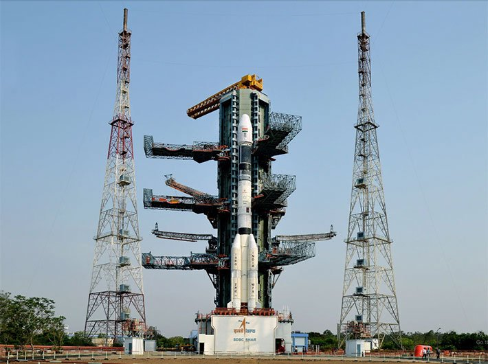 The fully integrated GSLV-F06 carrying GSAT-9 at the second launch pad (Courtesy: ISRO)
