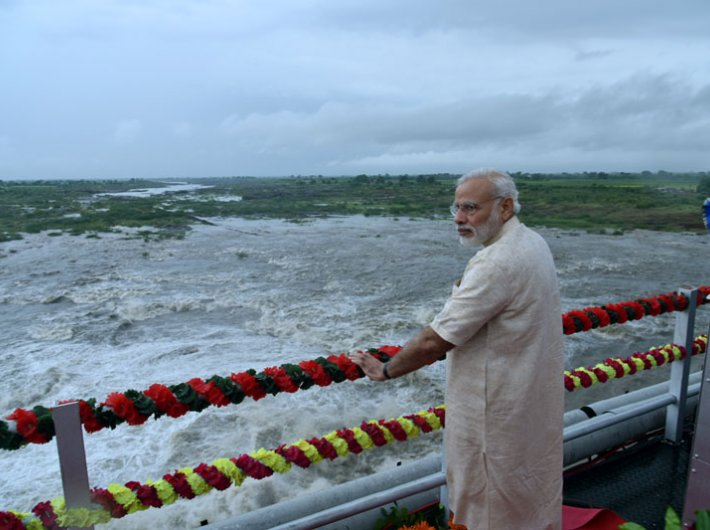 PM Narendra Modi launches SAUNI Project in Gujarat