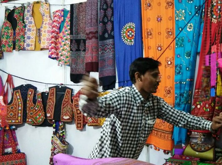 Demonetisation hits handicraft business in Rann Utsav