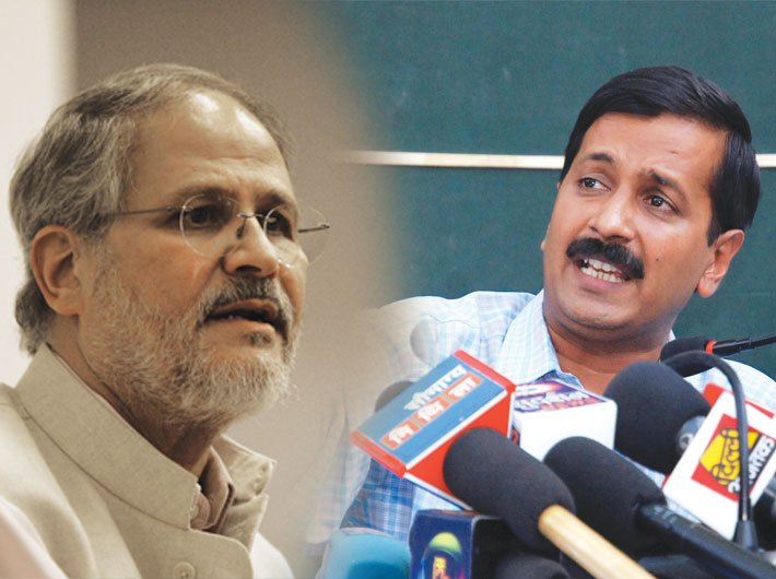 Lieutenant Governor of Delhi Najeeb Jung (L) and Delhi CM Arvind Kejriwal (R)