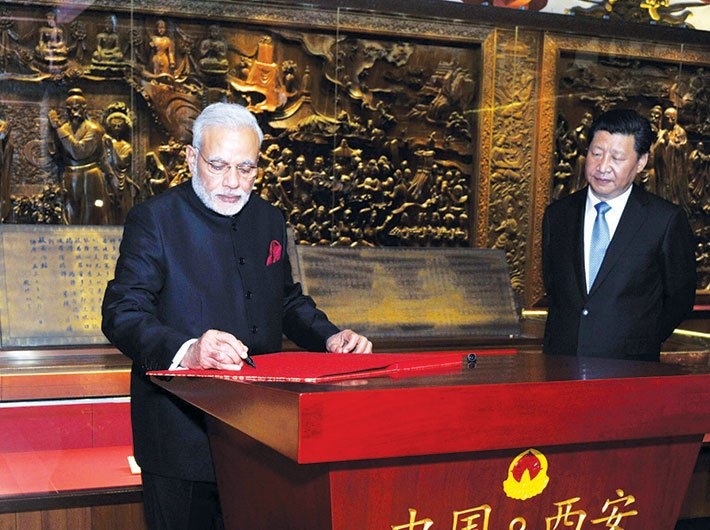 PM Narendra Modi, during his May 2015 China visit, with president Xi Jinping at the Big Wild Goose Pagoda