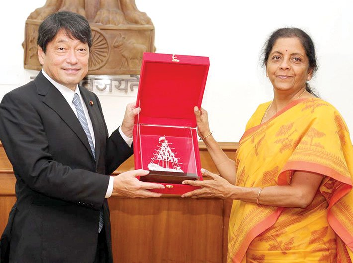 Defence minister Nirmala Sitharaman and her Japanese counterpart, Itsunori Onodera, exchanging mementos in New Delhi on August 20