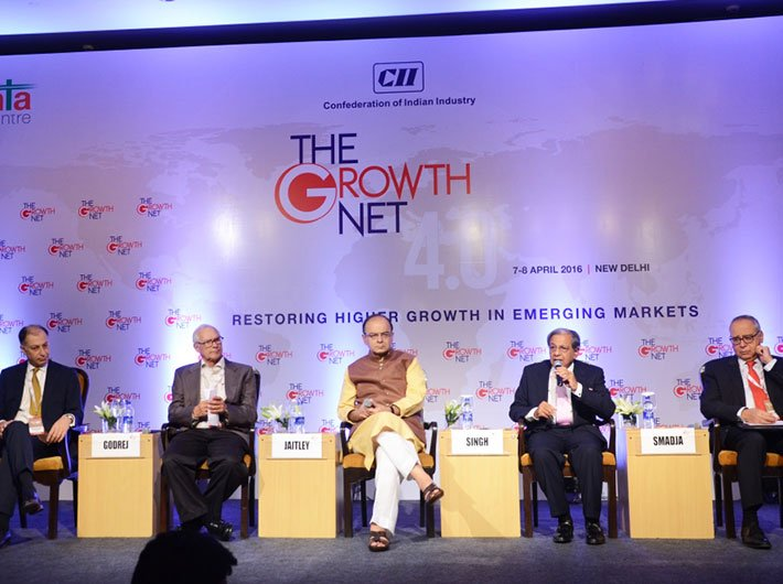 Finance minister Arun Jaitley (centre) at the Growth Net Summit