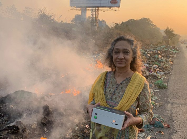 Sumaira Abdulali on her rounds to measure air pollution levels at gargage sites