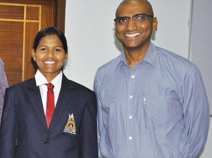 Malavath Poorna, the youngest girl in the world to scale Mt Everest, with Praveen Kumar. (Photo courtesy: RS Praveen Kumar)