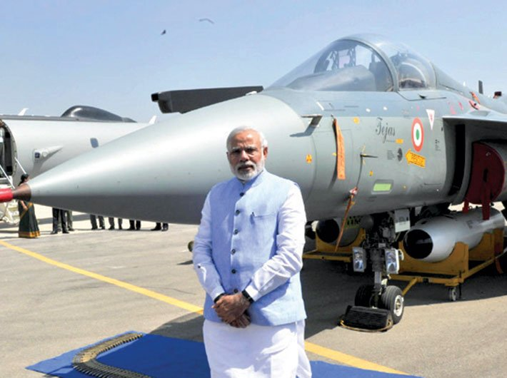 PM Narendra Modi at Aero India 2015 in Bengaluru (Photo: pmindia.gov.in)