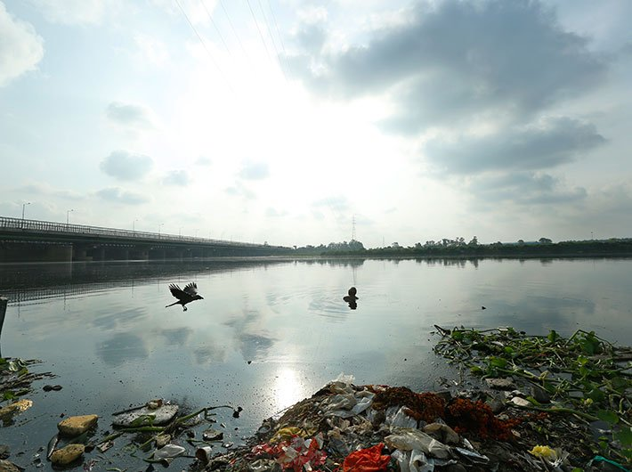 Polluted river Yamuna in Delhi